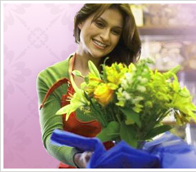 "Ambar Flores. Flower Shop, is one of Argentina 's leading online provider of fresh-cut flowers and unique regional gifts. Our virtual platform allows you to send flowers and flower arrangements online. Same day delivery to ""Capital Federal"" (Buenos Aires City) and ""Gran Buenos Aires"" (the suburbs) of: bouquets, roses, flower-arrangements, sweets, chocolates, balloons, champagnes and other gifts."