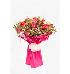 Ramo de rosas y alstroemerias especial